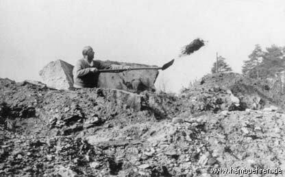 Geschichte eines Bunkers - Bunker Nr. 4 Freilegung©Einheitsgemeinde Hambühren