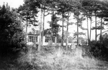 Geschichte eines Bunkers - Die Gartenseite mit neu gemauerter Umgrenzung©Einheitsgemeinde Hambühren