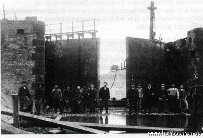 Das alte Kohlekraftwerk aussen Tor©Einheitsgemeinde Hambühren